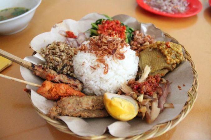 Мясные блюда в национальной кухне Бали на Woman Planet