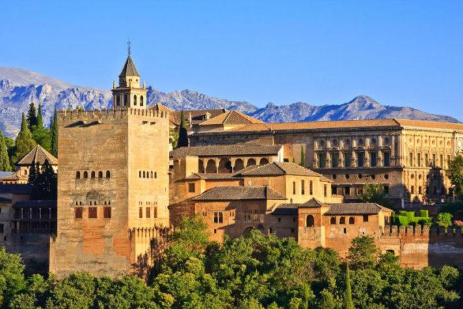 Архитектурно-парковый комплекс Альгамбра (Гранада) Woman Planet