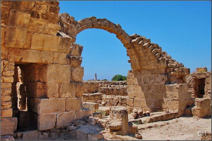 Достопримечательности Кипра Саранта Колонес на Women Planet