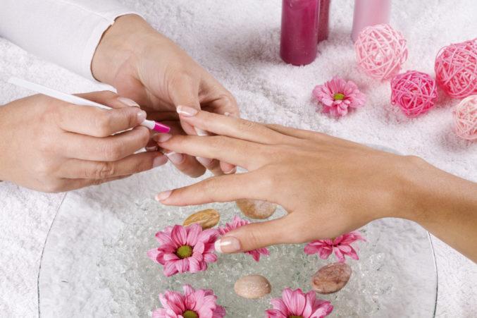Профессиональное лечение ломких ногтей на сайте Women Planet