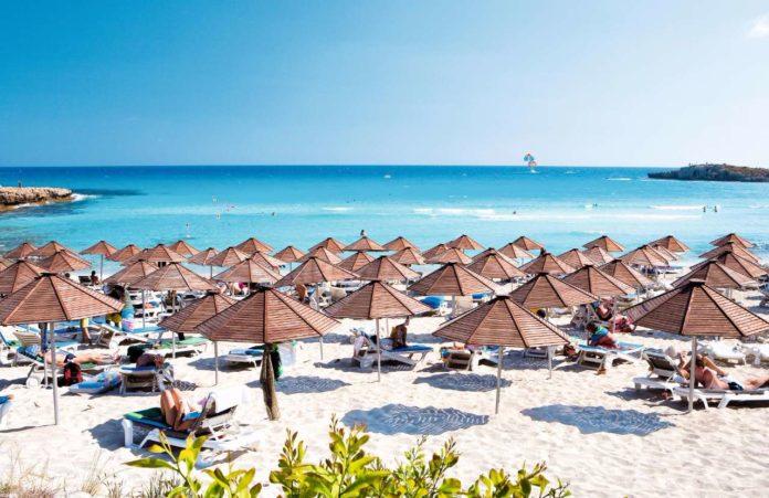 Достопримечательности Кипра побережье Нисси на Women Planet
